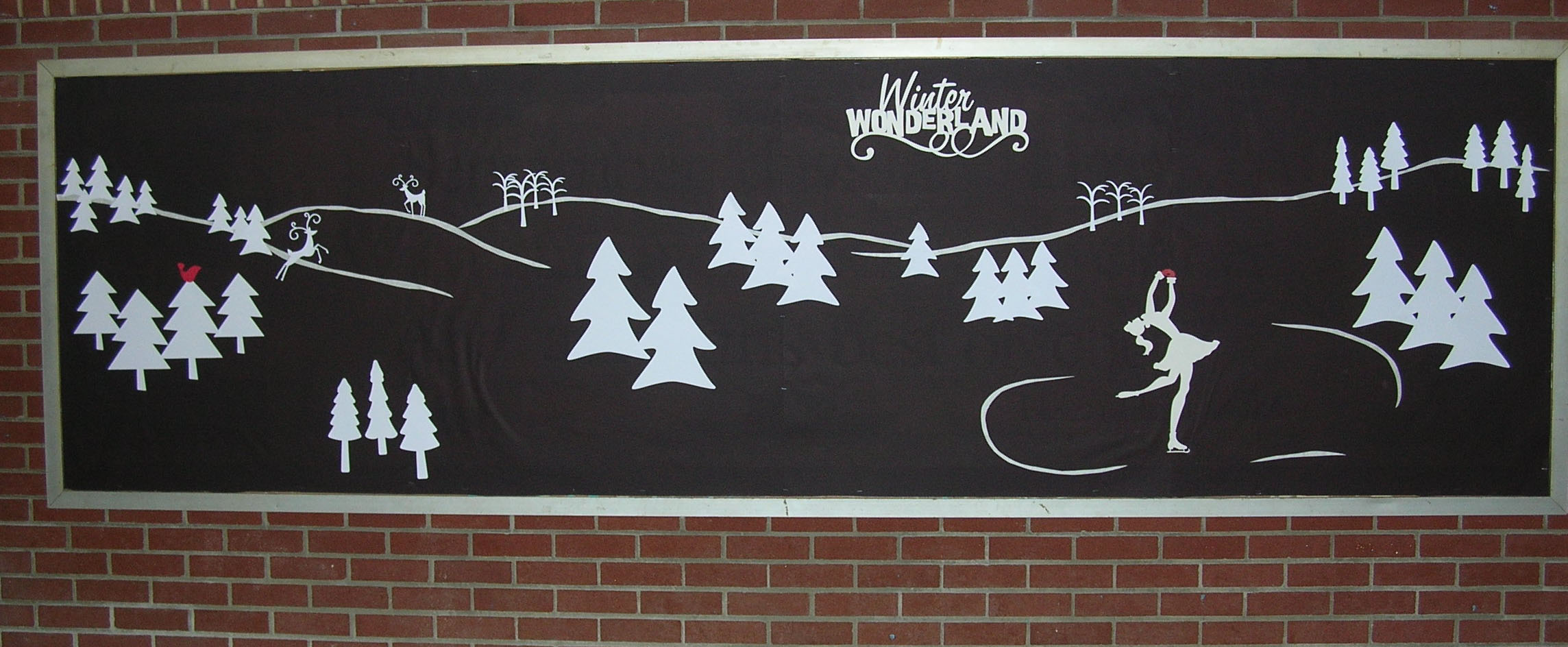 Displaying 18 gt images for winter scene silhouette